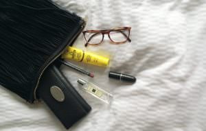 Leni & Me - What's in your handbag