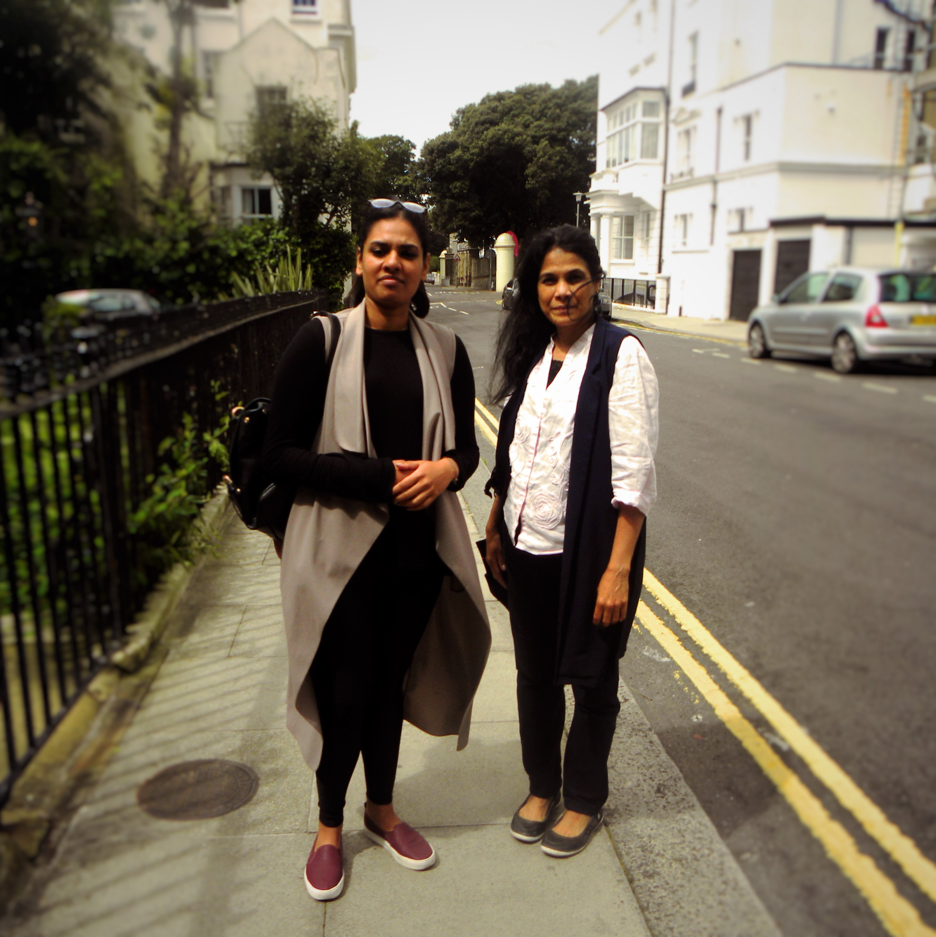 On the left Maneesha is wearing a top, dunner and leggins from Bookoo, and shoes from HeM. Nayana is wearing a dunner from Bookoo, jeans H&M and shoes from M&S.