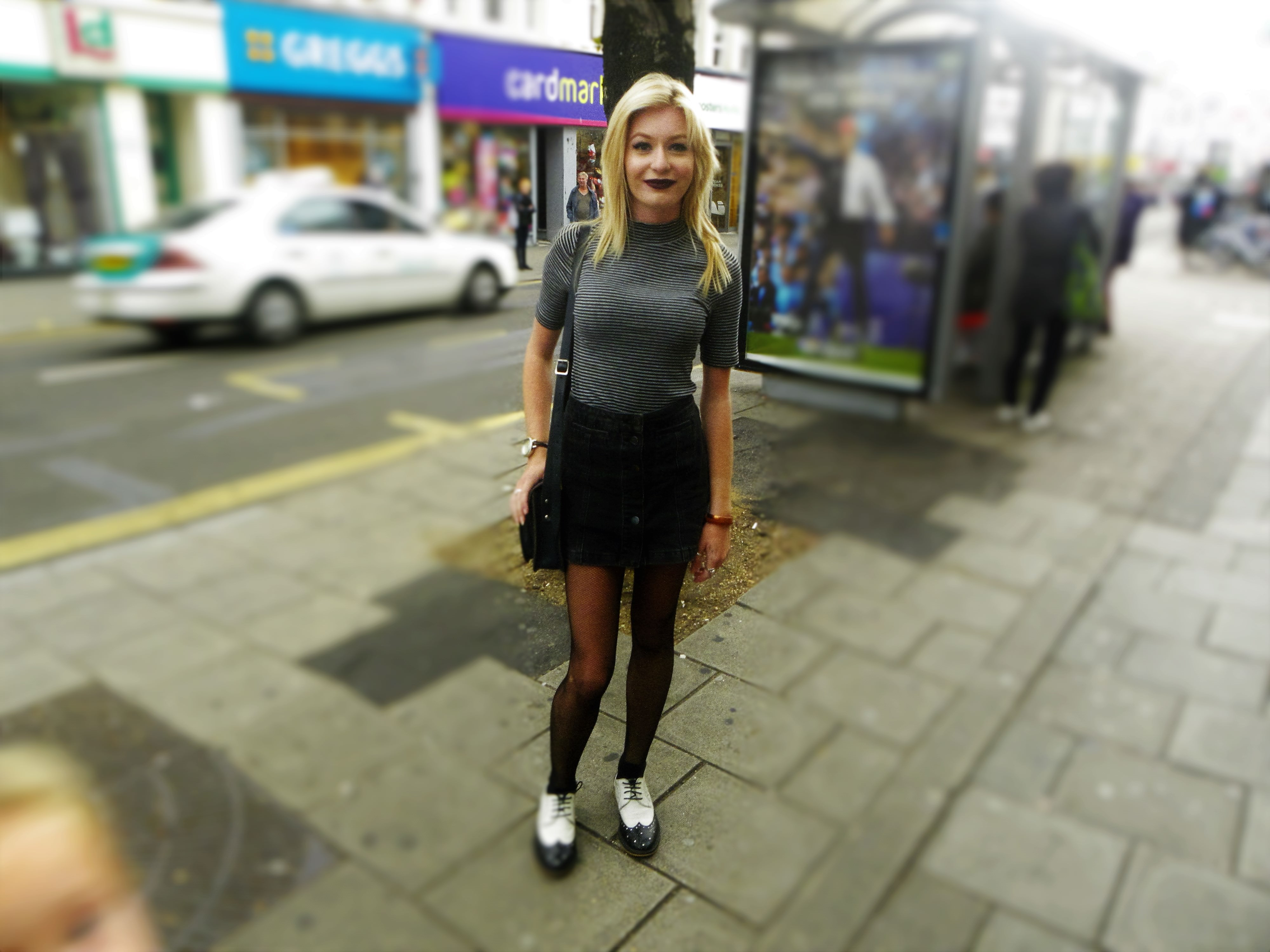 Jes is weating a top from H&M, skirt from Top Shop, shoes Vitas Footwear and bag from Cambridge