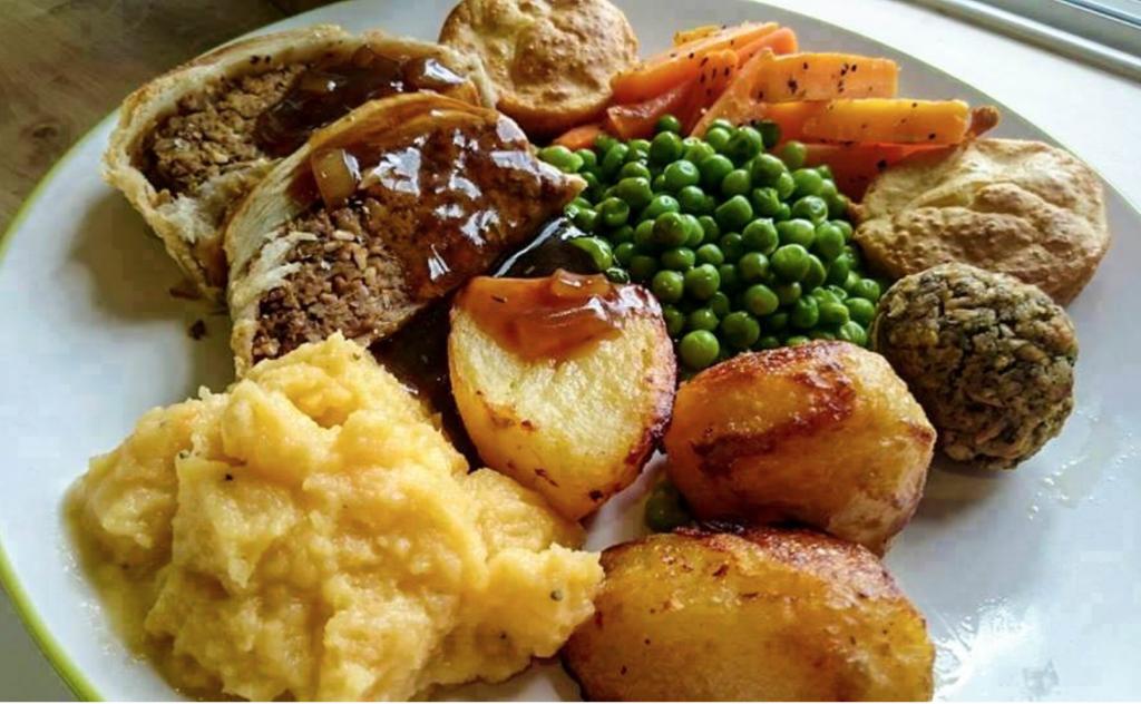 Vegan Sunday Roast. Credit @ The Loving Hut