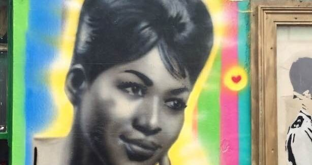 Aretha Franklin Mural Added to Prince Albert Pub