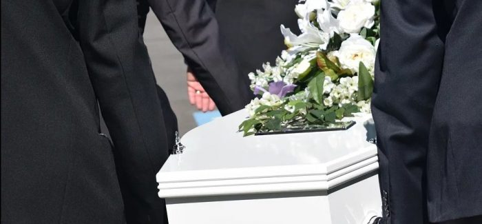 Funeral directors face urgent shortage of PPE protective clothing