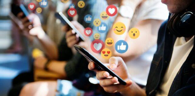 Redesigning social media platforms to reduce 'FoMO'